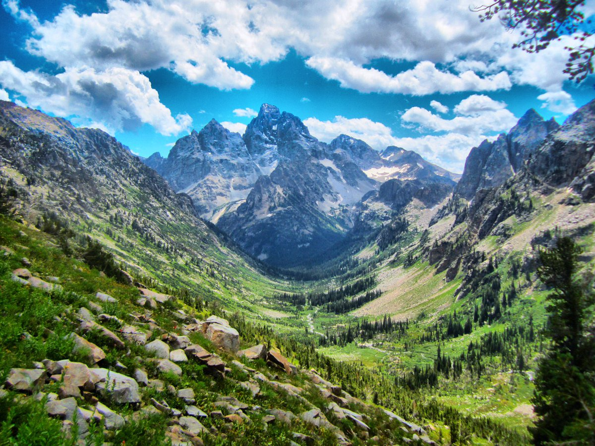 #GrandTeton on #TetonCrest #trail from 2 #summer ago. #hiking #Wyoming #backpacking #trailrunning #landscape #mountains #beautiful #hike #WY<br>http://pic.twitter.com/5Vs4HocZnP