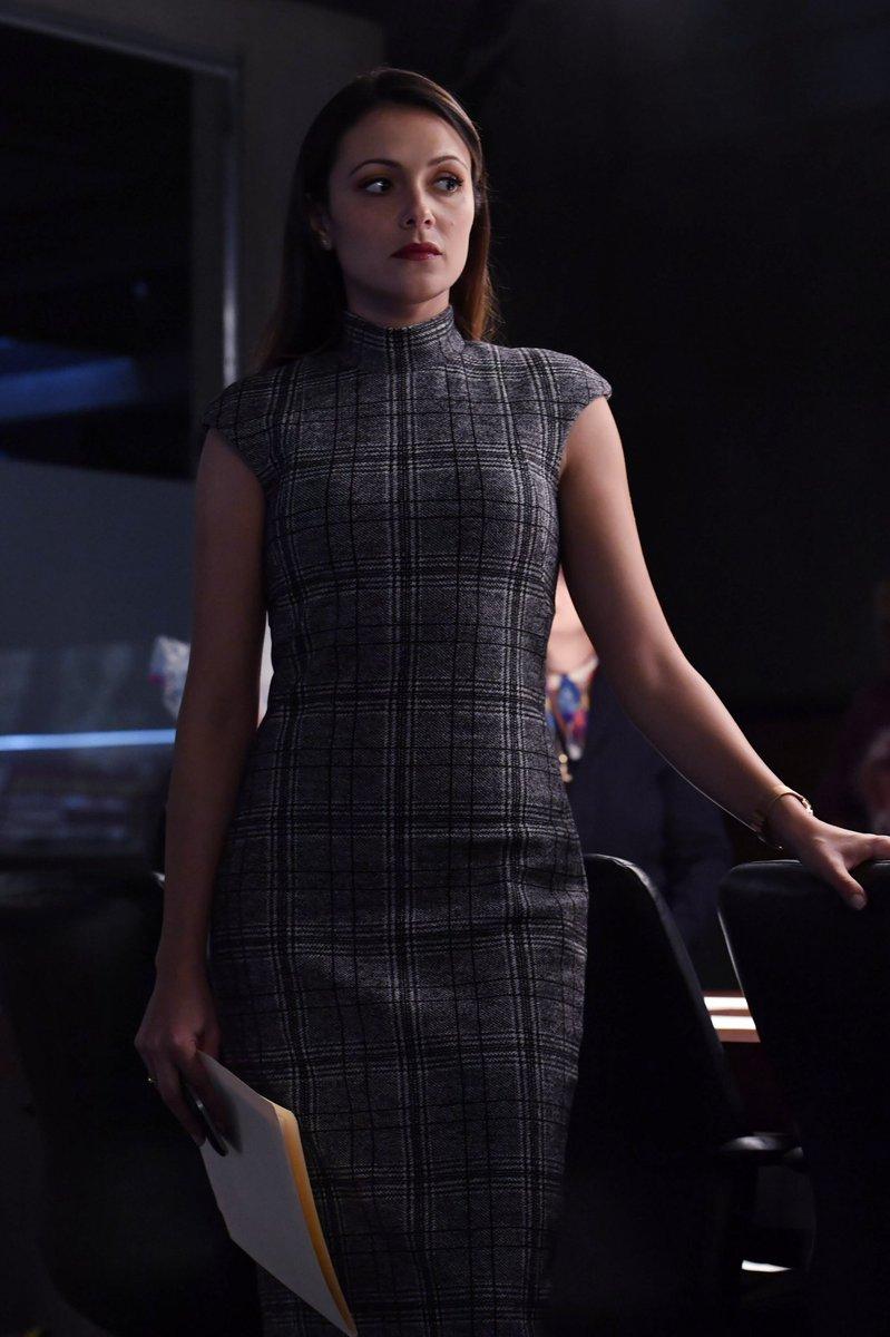 Designated Survivor On Twitter Alicia Coppola As Dr Bruner And Italiaricci As Emily Rhodes Designatedsurvivor,Best Film Production Design