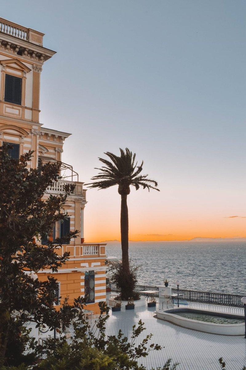 Sorrento via @heleneinbetween #travel #Italy #beautyfromitaly