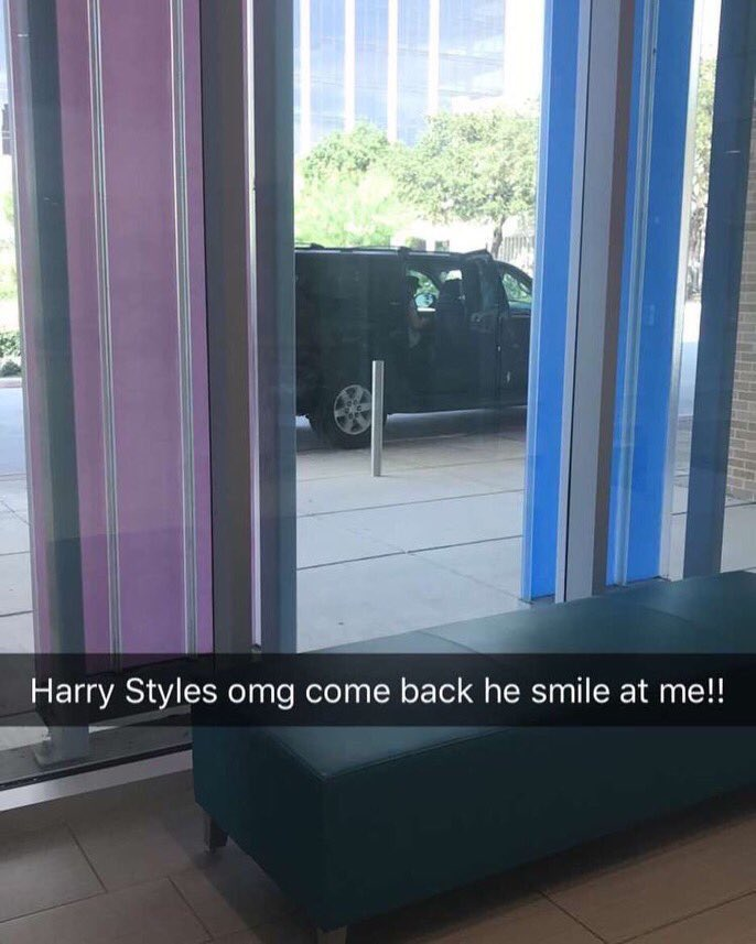 Harry outside Santa Rosa Hospital yesterday!!!  #HarryStyles #Harry #Styles <br>http://pic.twitter.com/5EcmEwzhVx