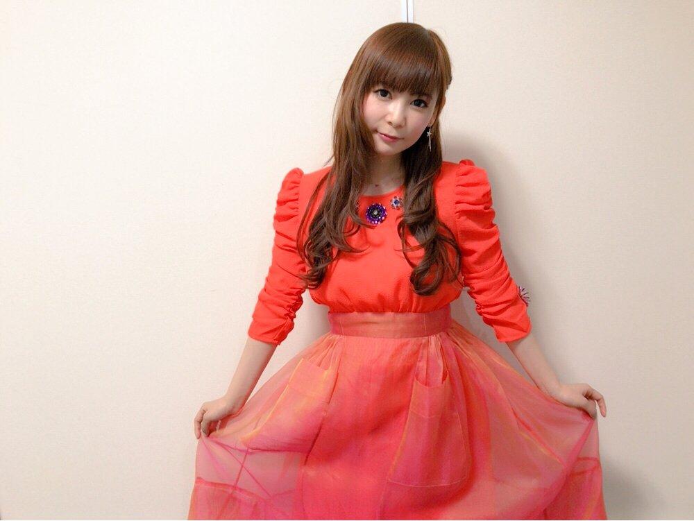 ドレス姿の中川翔子