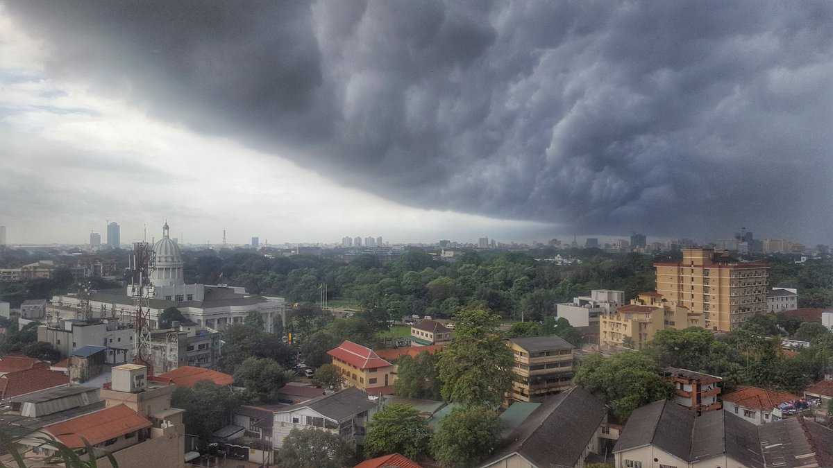 Brace yourselves, Colombo! #lka https://t.co/9ROguEUWF0
