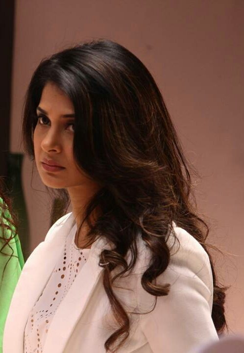 #Throwback 1 year of #beyhadh #maya  @SonyTV 5   year of my junnooni love to @jenwinget<br>http://pic.twitter.com/DFP90BE9bx