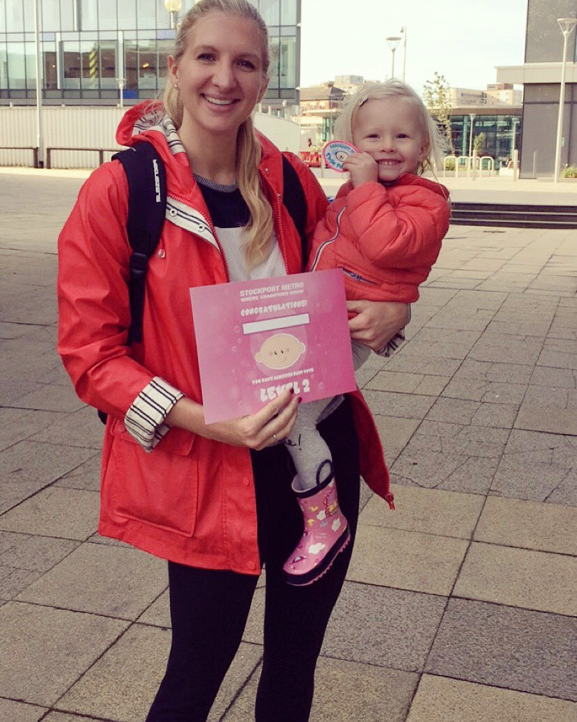 So proud of Summer getting her Swim Tots badge 2 this morning! #LearnToSwim #swimming https://t.co/KDj1dMQZ4K