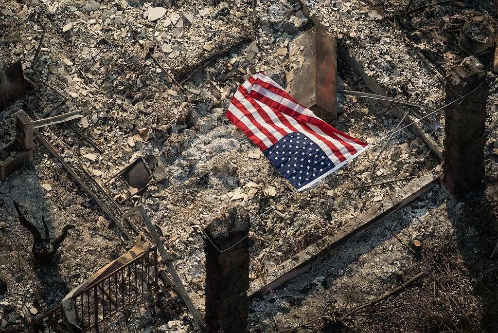 #CaliforniaWildfires update: 23 now dead; 30mph wind spread blazes across Wine Country. https://t.co/KFlM4o18F1