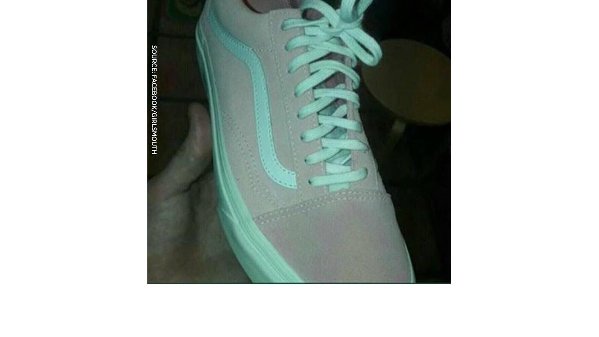 colour are these shoes? Teal / grey