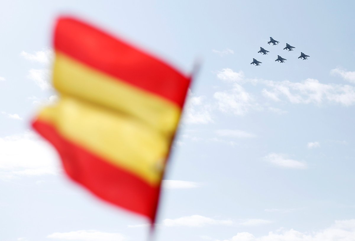 .@Defensagob has confirmed the death of the pilot during the crash in southeastern Spain  https:// sptnkne.ws/fEx6  &nbsp;   #albacete <br>http://pic.twitter.com/H3nvuOLLyv