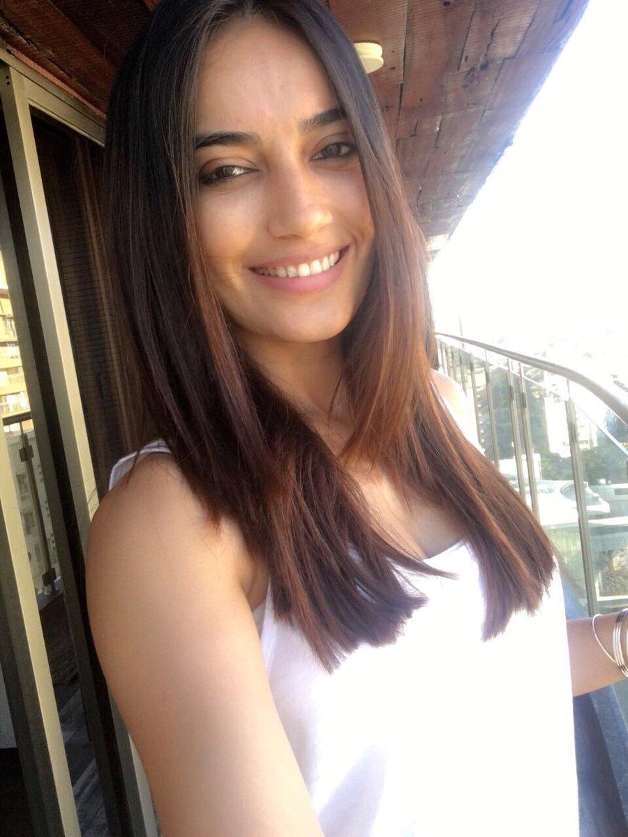 Surbhi Jyoti On Twitter How S My New Hair Cut Peeps