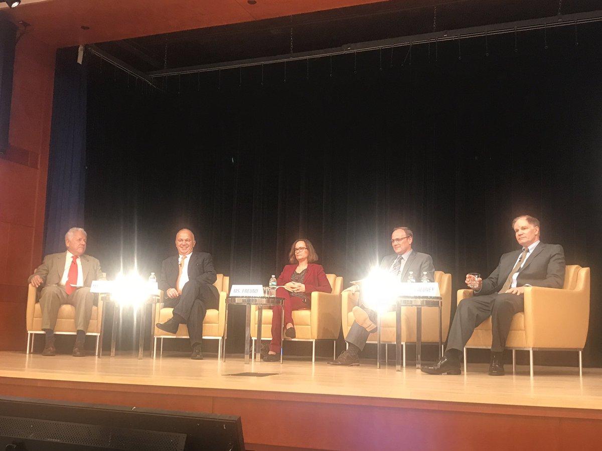 Addressing the innovation paradox #digitaldev @ConsenSys @WorldBankLive @IMFMeetings @ethereum4impact #blockchain<br>http://pic.twitter.com/P9kvE0VjQw