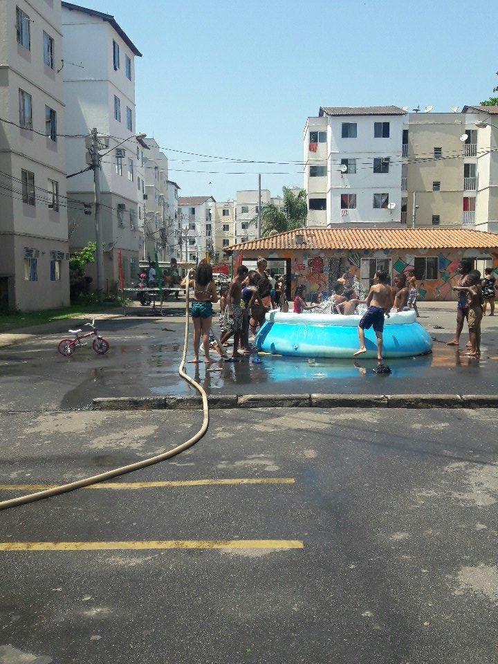 Favela é lugar de Paz 🕊 #Felizdiadascria...