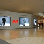 H&M Grand Reopening at Dufferin Mall. Look forward to more working on more locations down the road.