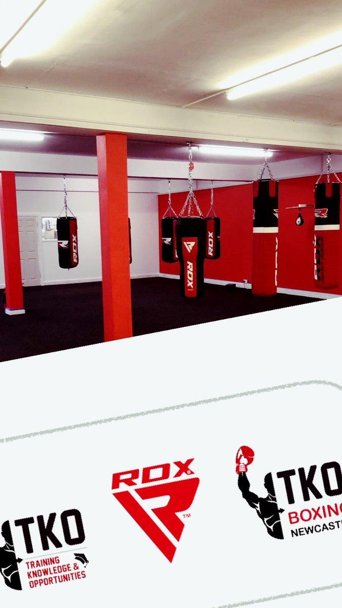 Not long now folks.... #TKO #newcastle #NEfollowers #boxing #nufc<br>http://pic.twitter.com/ak3fiDbYoV