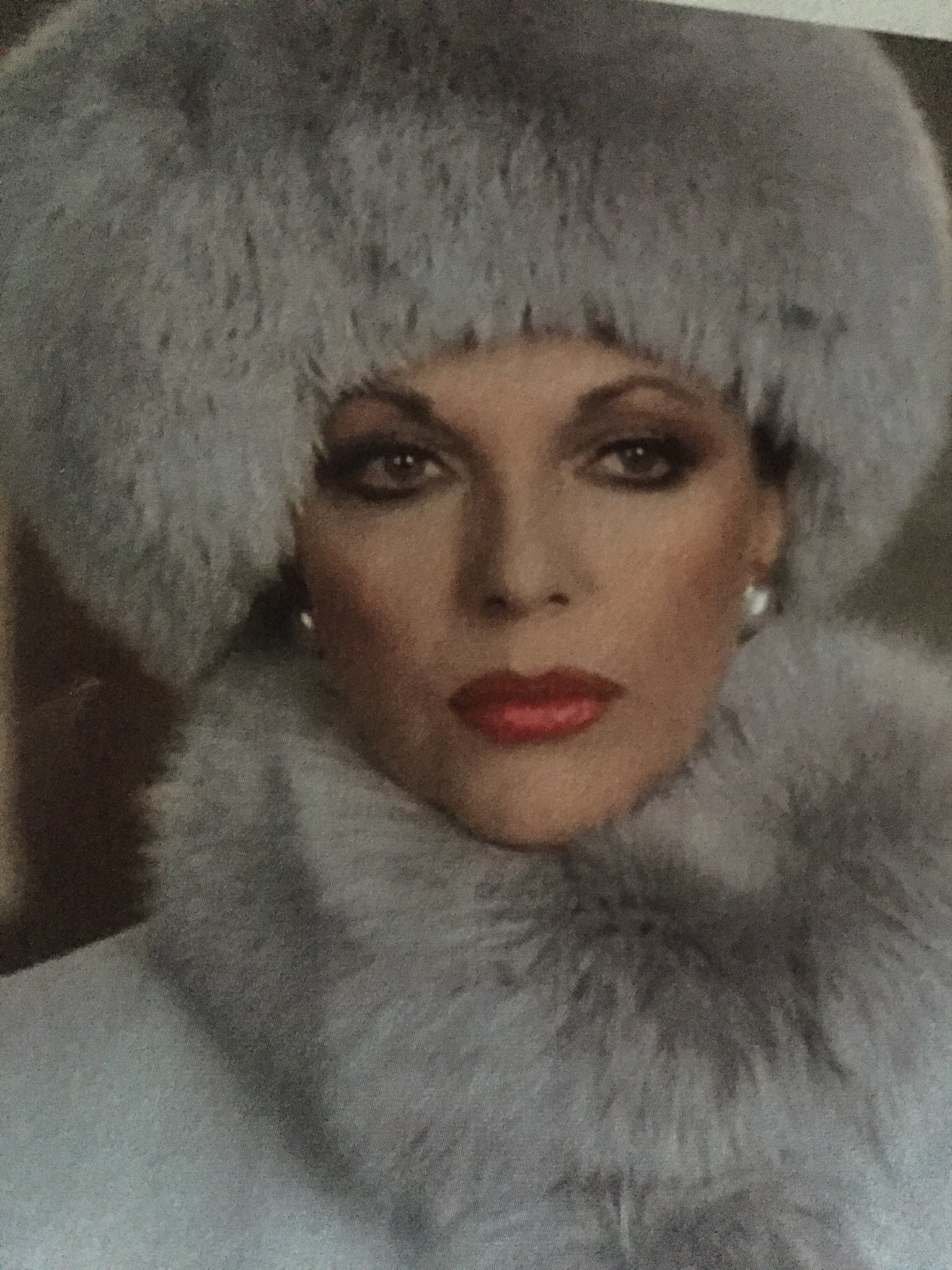 Joan Collins on Twitter: In the spirit of the 80s,Alexis