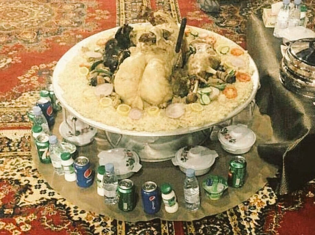 #بيت_شعر_علي_ذوقك عليكم بالاكل  والشرب ف...