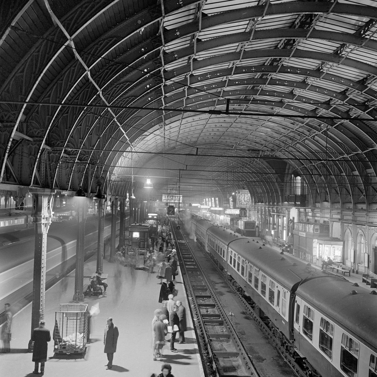 On this day in 1958 a book announced the arrival 'a friendly bear from deepest, darkest Peru' at Paddington Station https://t.co/PAs4YJOFJ3