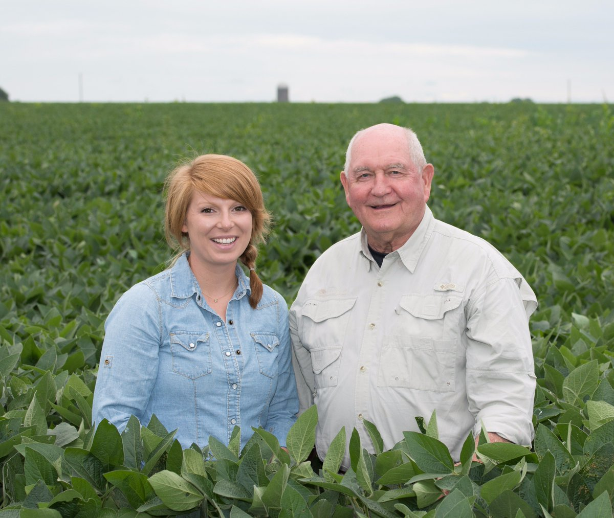 It&#39;s #NationalFarmersDay today, so be sure to #ThankaFarmer, like Kate Danner, who runs her family&#39;s farm near Aleda, Illinois.<br>http://pic.twitter.com/1Lx42asQYS