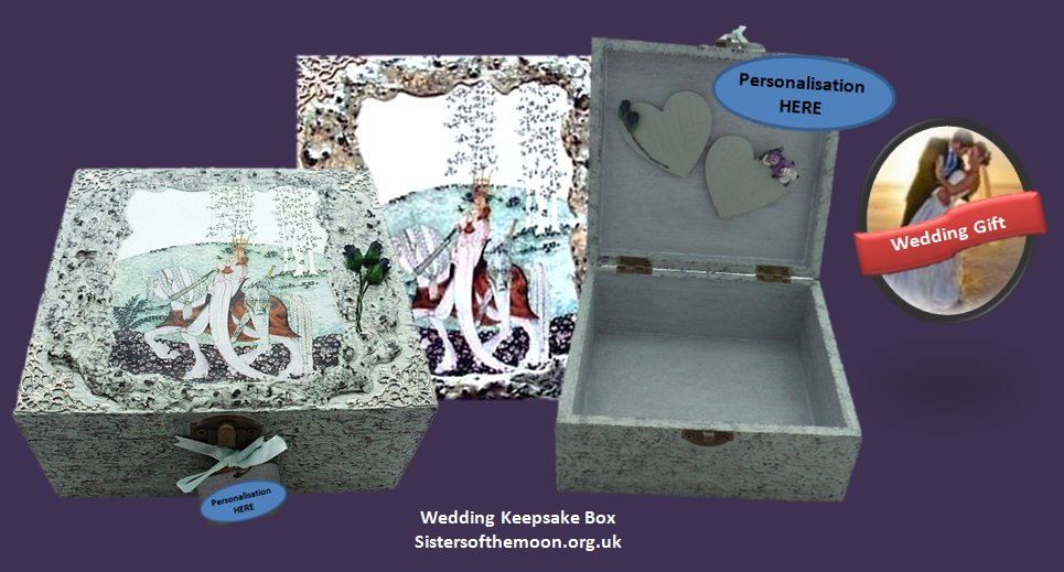 Every #bride deserves a #Sisters #Wedding #Keepsake #Box. Different sizes available  http:// bit.ly/2ovcqBS  &nbsp;    #87RT<br>http://pic.twitter.com/DotYue90lL