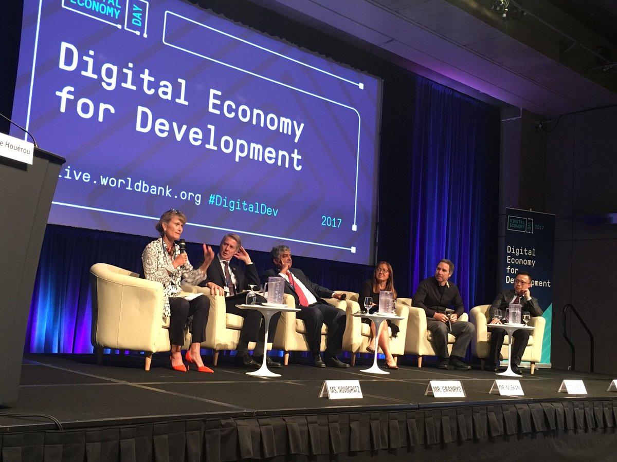@jnovogratz talks bridging the #digital divide with @_SueSiegel @NandanNilekani @MatsGranryd @greg_wyler @AntFinancial #DigitalDev <br>http://pic.twitter.com/qtCi2M1Z4W