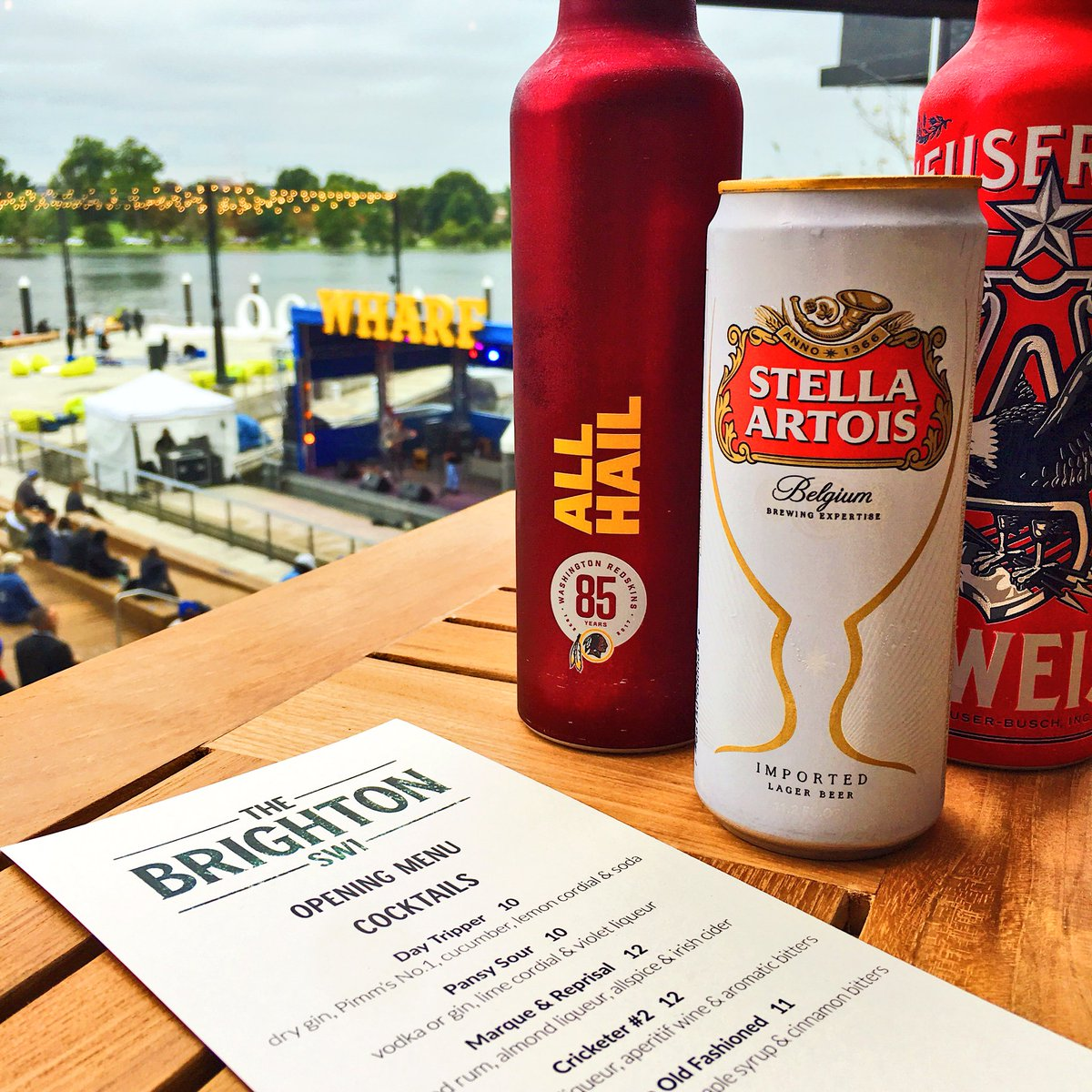 Beer's cold. Music's playing. It's gonna be a great opening weekend. #WharfDC <br>http://pic.twitter.com/KE8LCTV2cY &ndash; à SW Waterfront Wharf