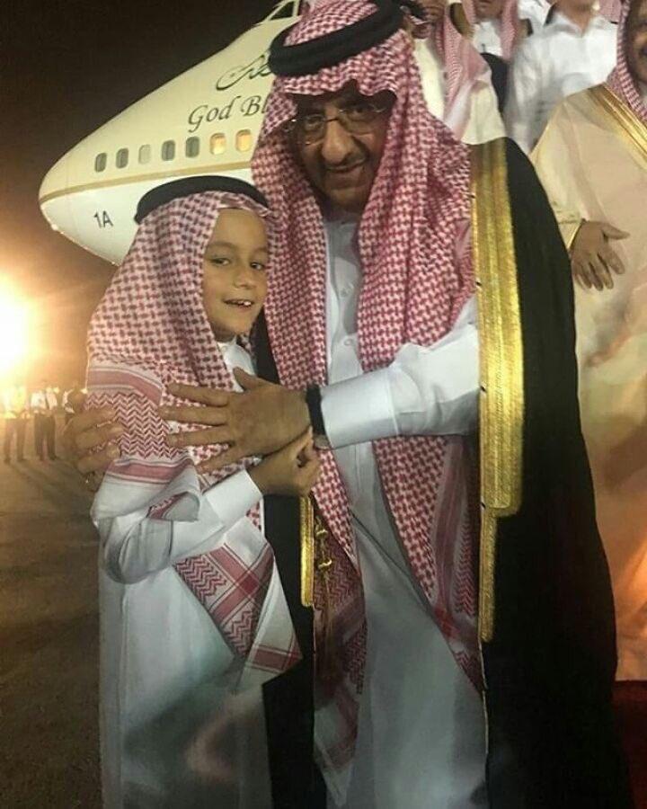 قبل قليل سيدي الأمير #محمد_بن_نايف  يصل إلى #الرياض بعد ان قضى #اجازته...