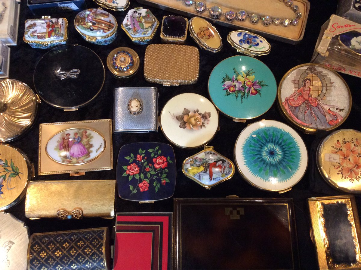 This Sat 14th Oct I&#39;ll be at #Sheffeild City Hall #Vintage #fair with @vintagefair #VintageFair #vintagefinds<br>http://pic.twitter.com/zQ1bHfHsxv