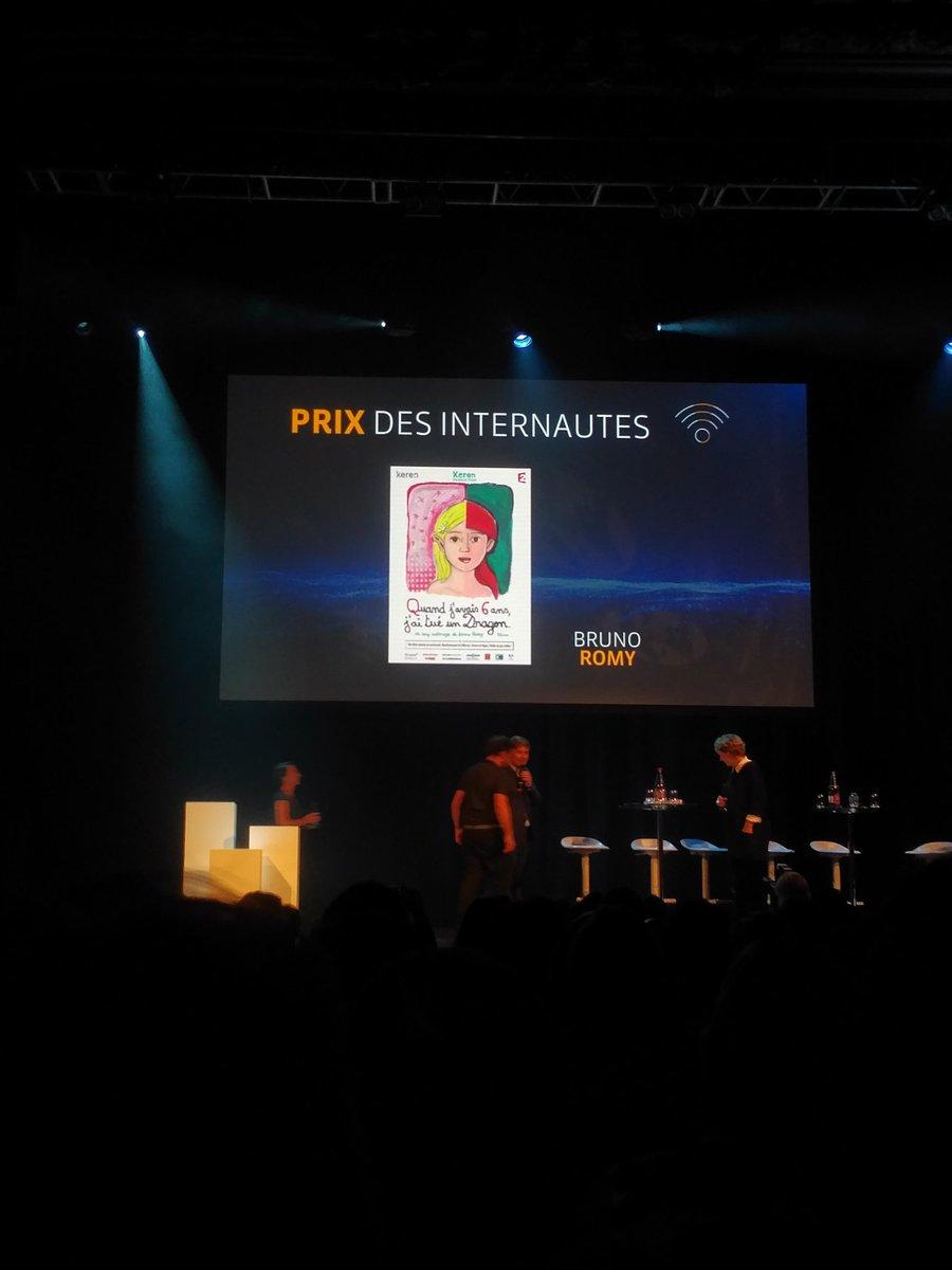 Prix des internautes #Parolesdepatients combat (reussi) d'un enfant contre la #leucemiepic.twitter.com/pb8VYXNrxw