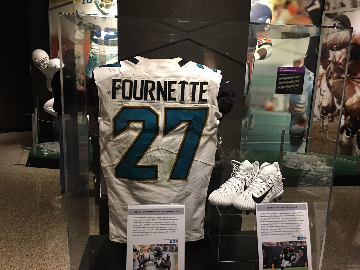 We have received the @_fournette jersey from the @Jaguars! The record-breaking jersey when he became the youngest player in @NFL history to run for a TD of at least 90 yds is now on display!