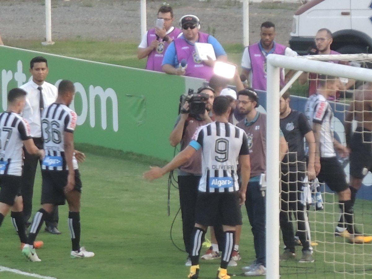 Ricardo Oliveira: 88 gols pelo Santos. Foi o oitavo em 2017 #trmoises...