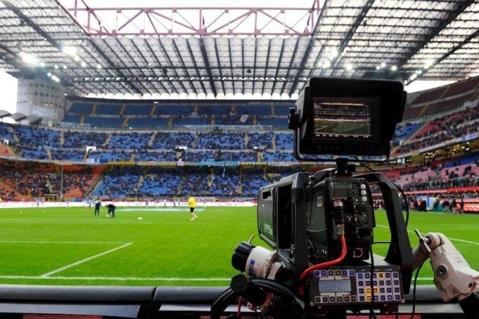 Diretta Calcio Genoa-Sampdoria Streaming Rojadirecta Dortmund-Bayern Gratis. Partite da Vedere in TV. Domani Inter-Torino