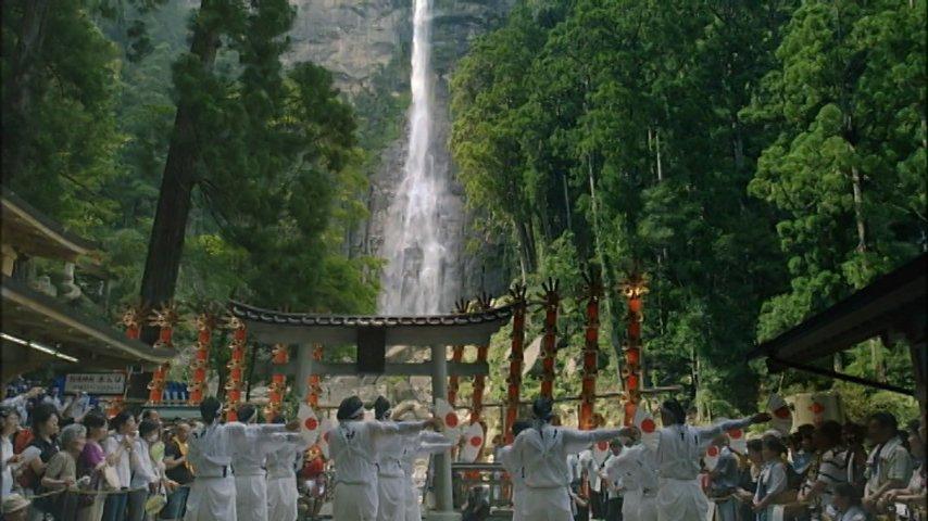 今日夜6時からは「紀伊山地の霊場と参詣道」。熊野、吉野、高野山、紀伊山地の三大聖地と、それらを結ぶ道の世界遺産です。新ナレーター<杏>さんを迎えてお送りします。