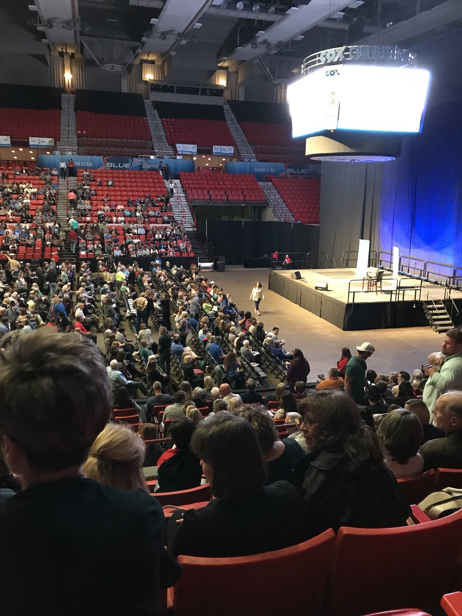 Dynamic Catholic event with @MatthewFKelly. Two weeks in a row, Catholic take over downtown OKC. #DCEvent <br>http://pic.twitter.com/hinkEaXZV0