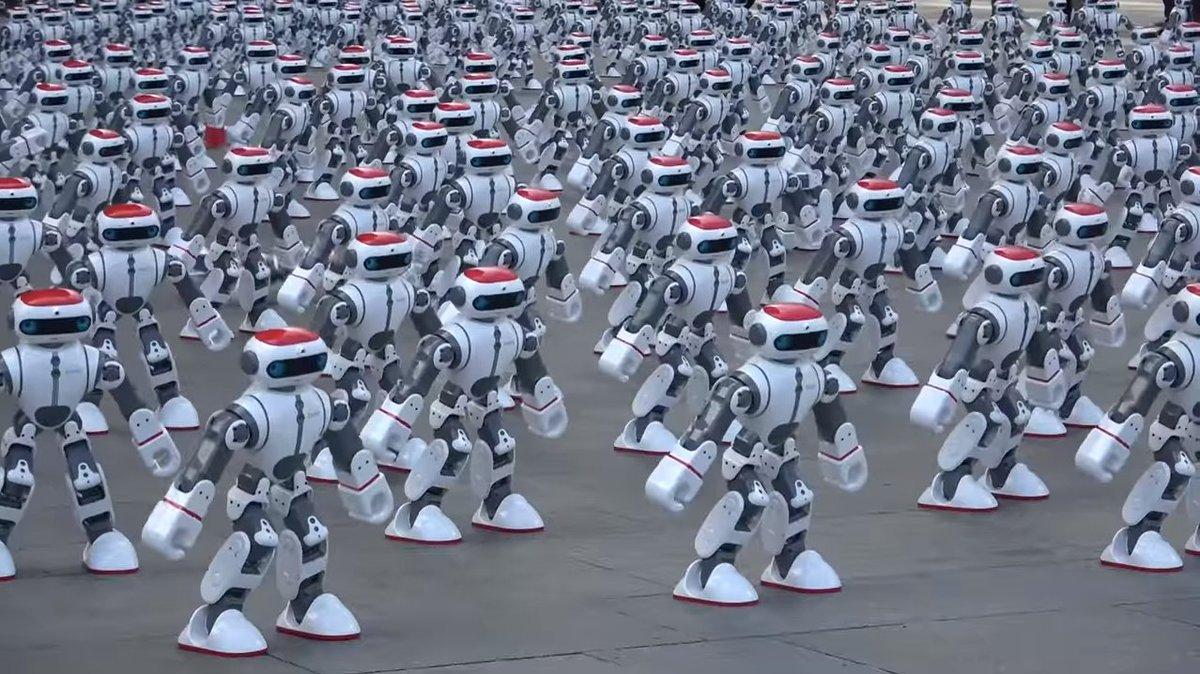 Много картинки роботов