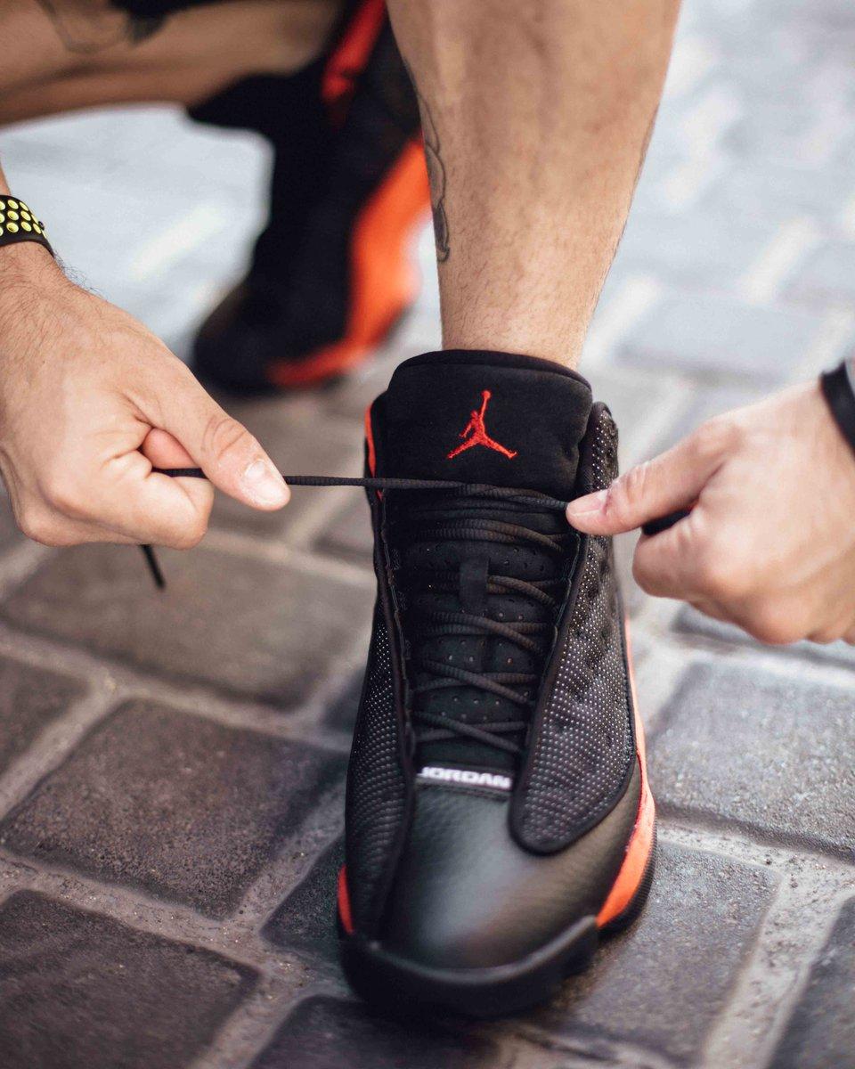 10fd8db4b4e371 Air Jordan 13 Bred ⚫ 🔴 . Buy online now  http   ow.ly t5zz30fxURy pic. twitter.com FHp4KSWSO6