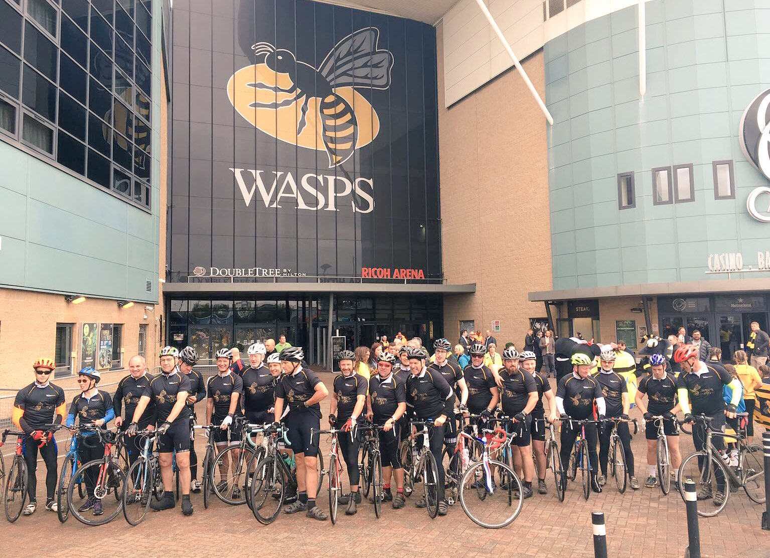 Well done to all our riders who were welcomed to the Ricoh #wasps150th @WaspsRugby #wasps150ride. Great effort. https://t.co/X9NdTIgeoj