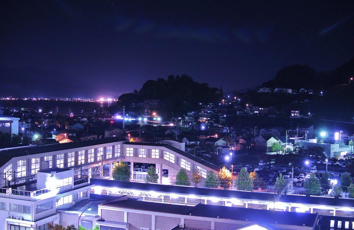 夜の岡谷駅