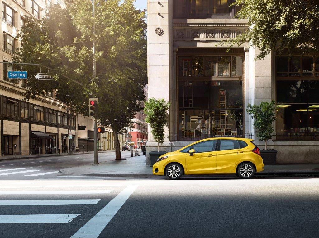 Tackle the big city, in the perfect-sized car, the Honda Fit. #boston #hondavillage #honda #fit #testdrive<br>http://pic.twitter.com/vthld8sB6v