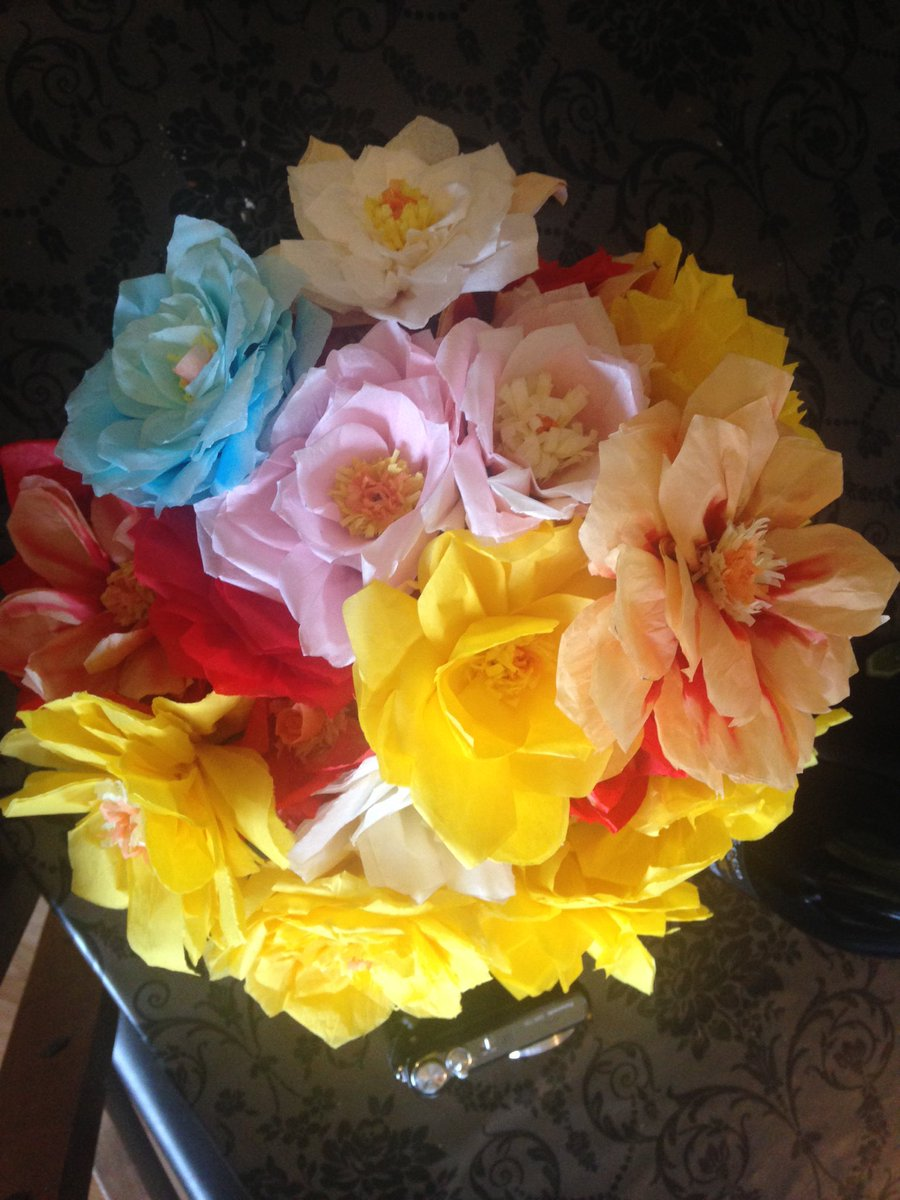 Beth warriner on twitter beautiful tissue paper flowers made by beth warriner on twitter beautiful tissue paper flowers made by the hens at my hen do they look so real mightylinksfo