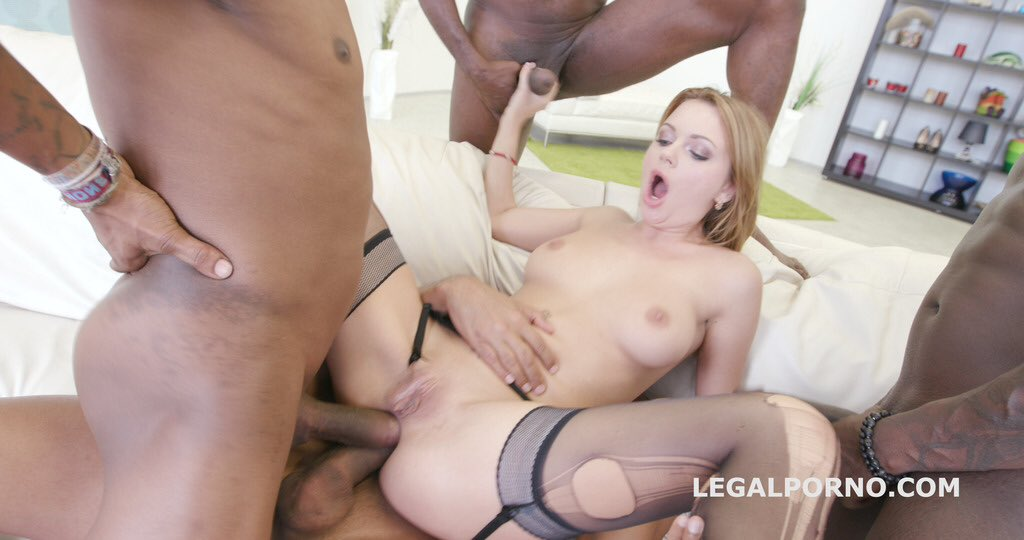 Veronica stone blowbangs some bbc it gets messy 2