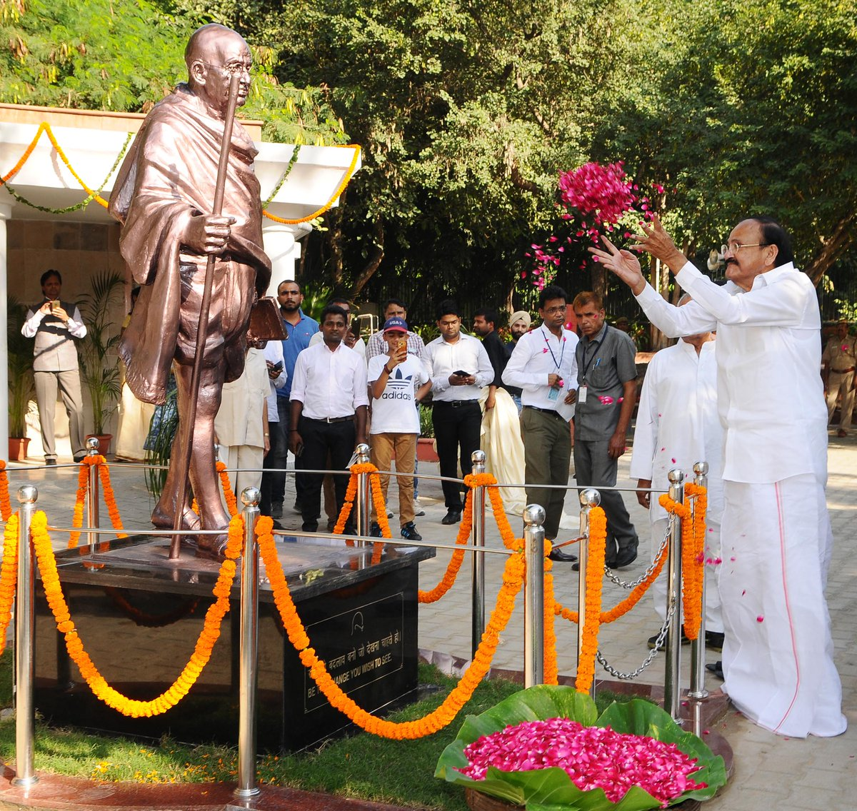 Rajghat gets Mahatma Statue, for the first time