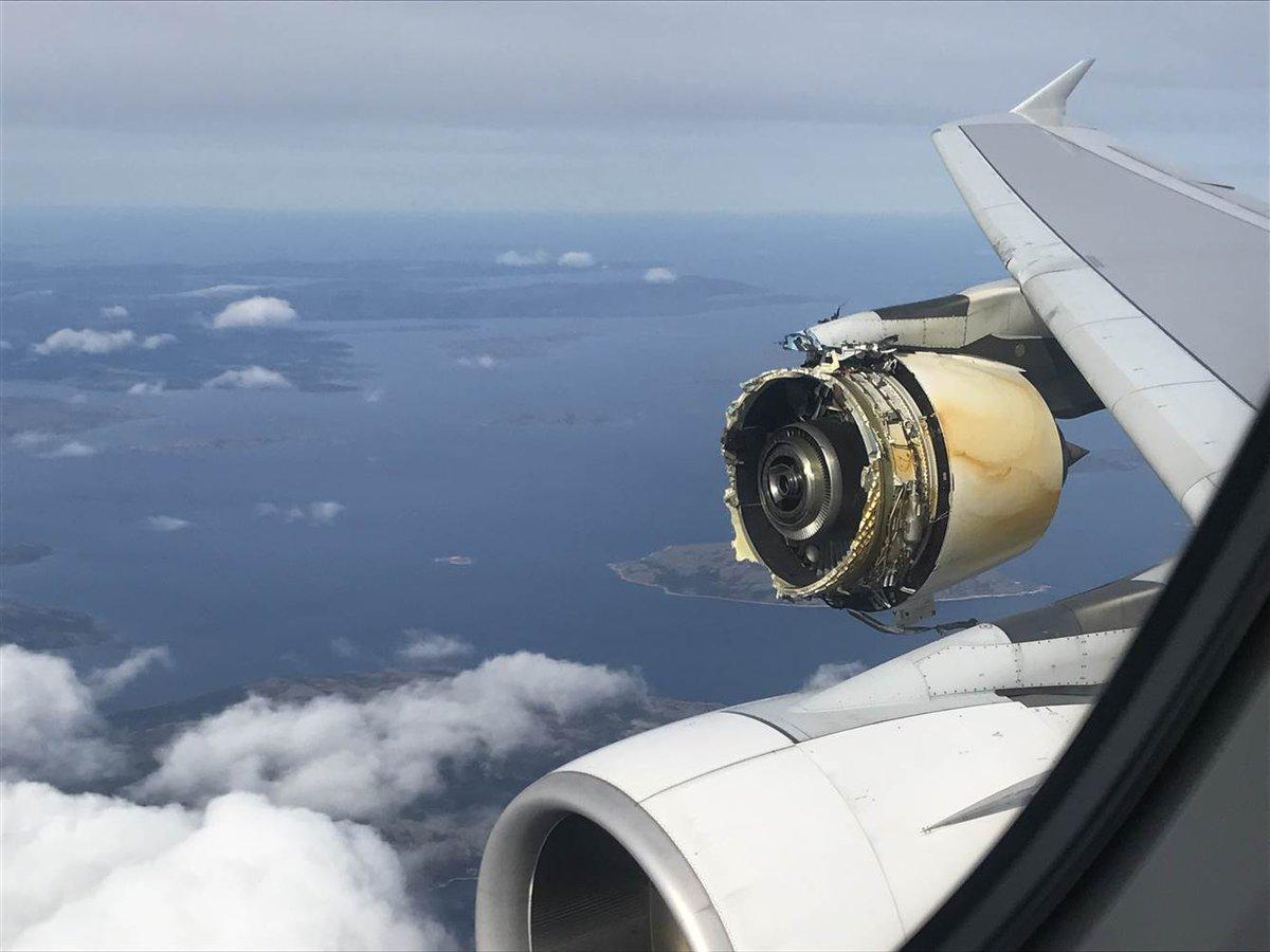便 32 事故 エンジン 爆発 航空 カンタス [雑記] メーデー!:航空機事故の真実と真相(ニコニコ動画リンク集)