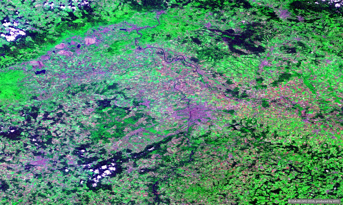#WorldArchitectureDay: #Prague, the #GoldenCity, here imaged by #ProbaV, is famous for its historical architecture:  http://www. esa.int/spaceinimages/ Images/2016/05/Proba-V_images_Prague &nbsp; … <br>http://pic.twitter.com/FKpvzezRfL
