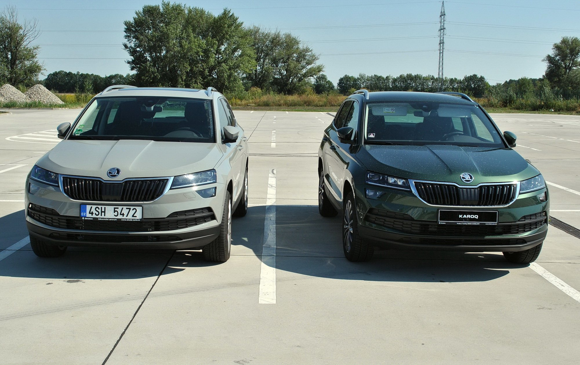 Colores del karoq club skoda karoq for Color gris acero