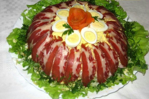 Рецепты салатов на зиму с огурцами