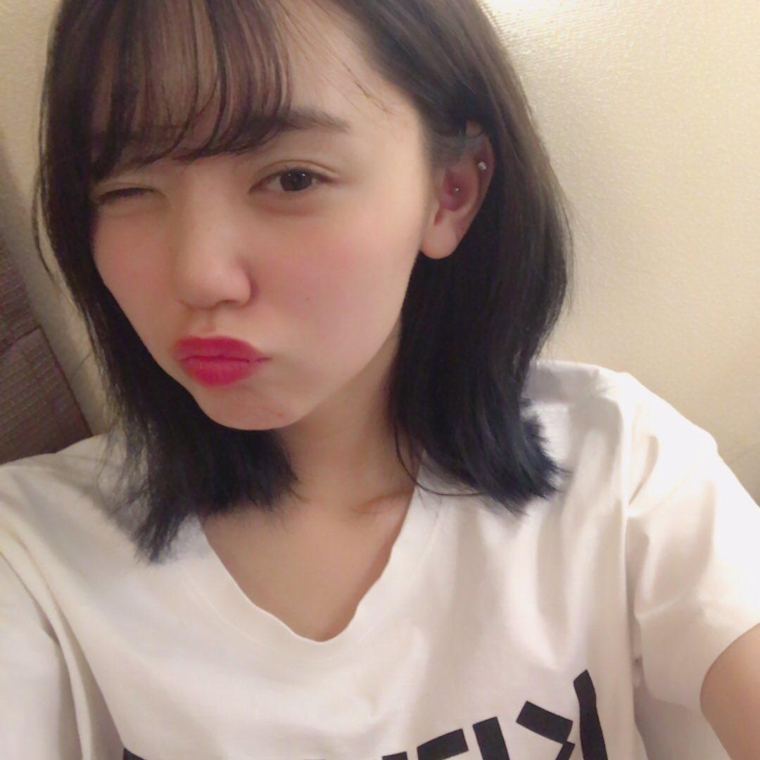 ウインクをしている江野沢愛美