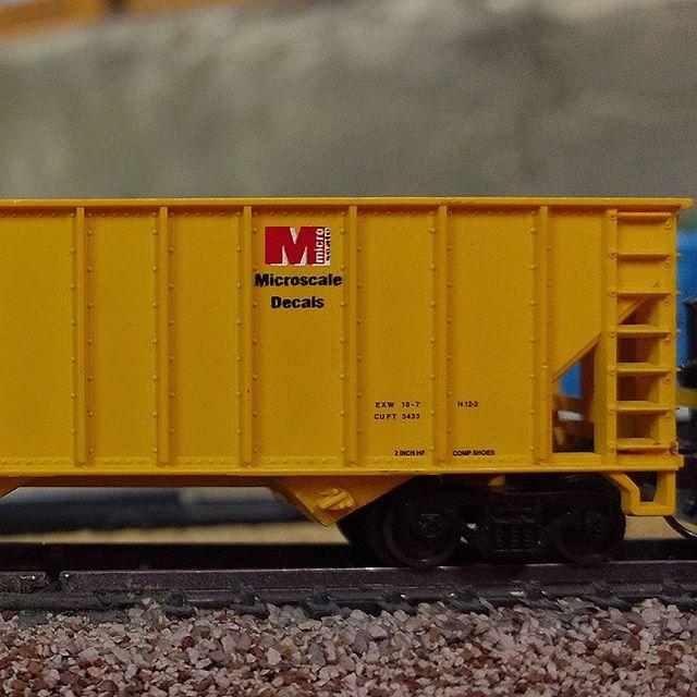 &quot;Have fun model railroading.&quot; -Jim Cunningham #microscale #atlas #hopper : @flohrsmodelrrstuff<br>http://pic.twitter.com/bOGgdJzc9D
