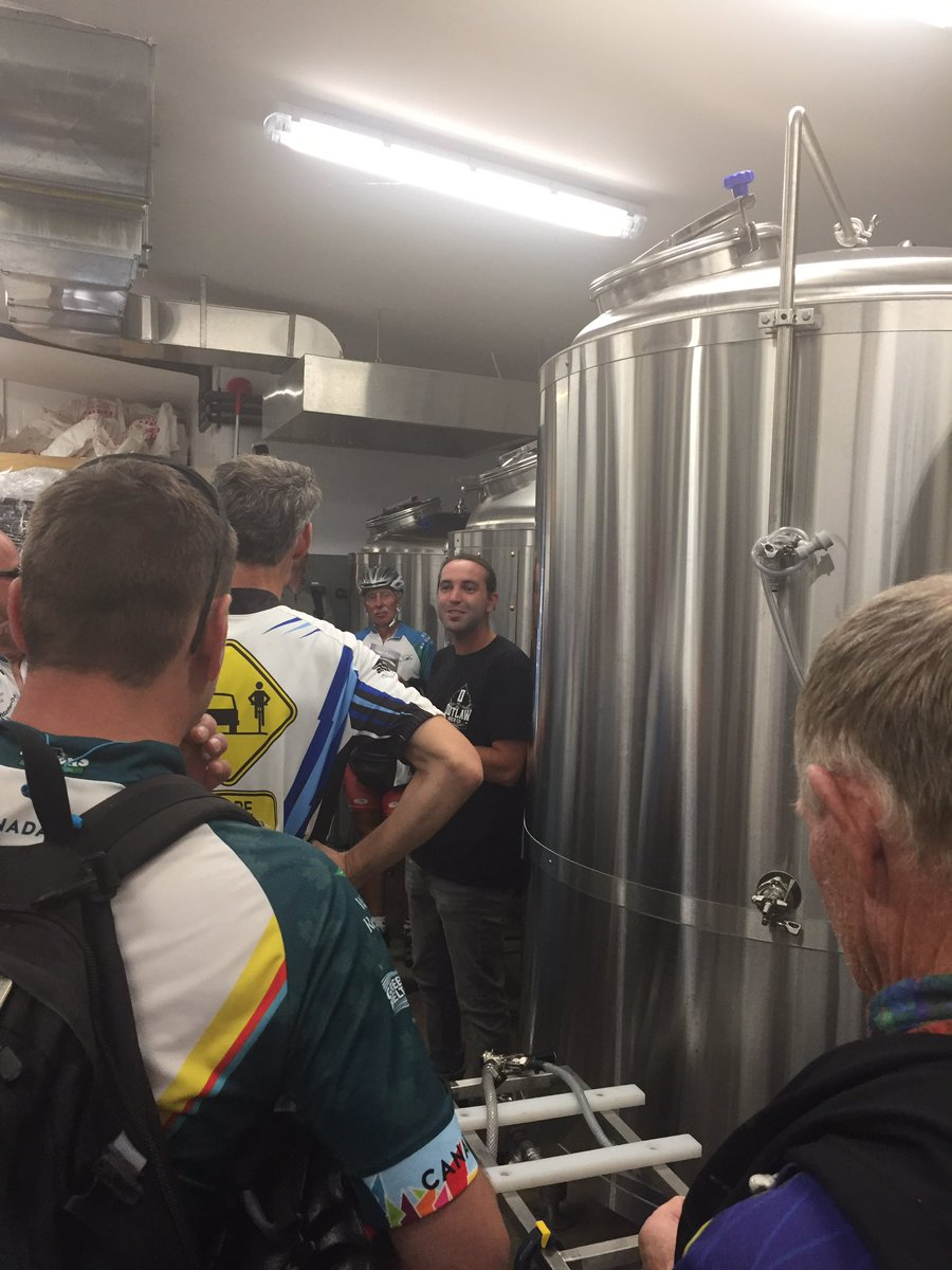 Thanks for the brewery tour  Andrew @OutlawBrewCo  - so impressed by your business #waterfronttrail #Bile ON <br>http://pic.twitter.com/UpAk8LEjdo