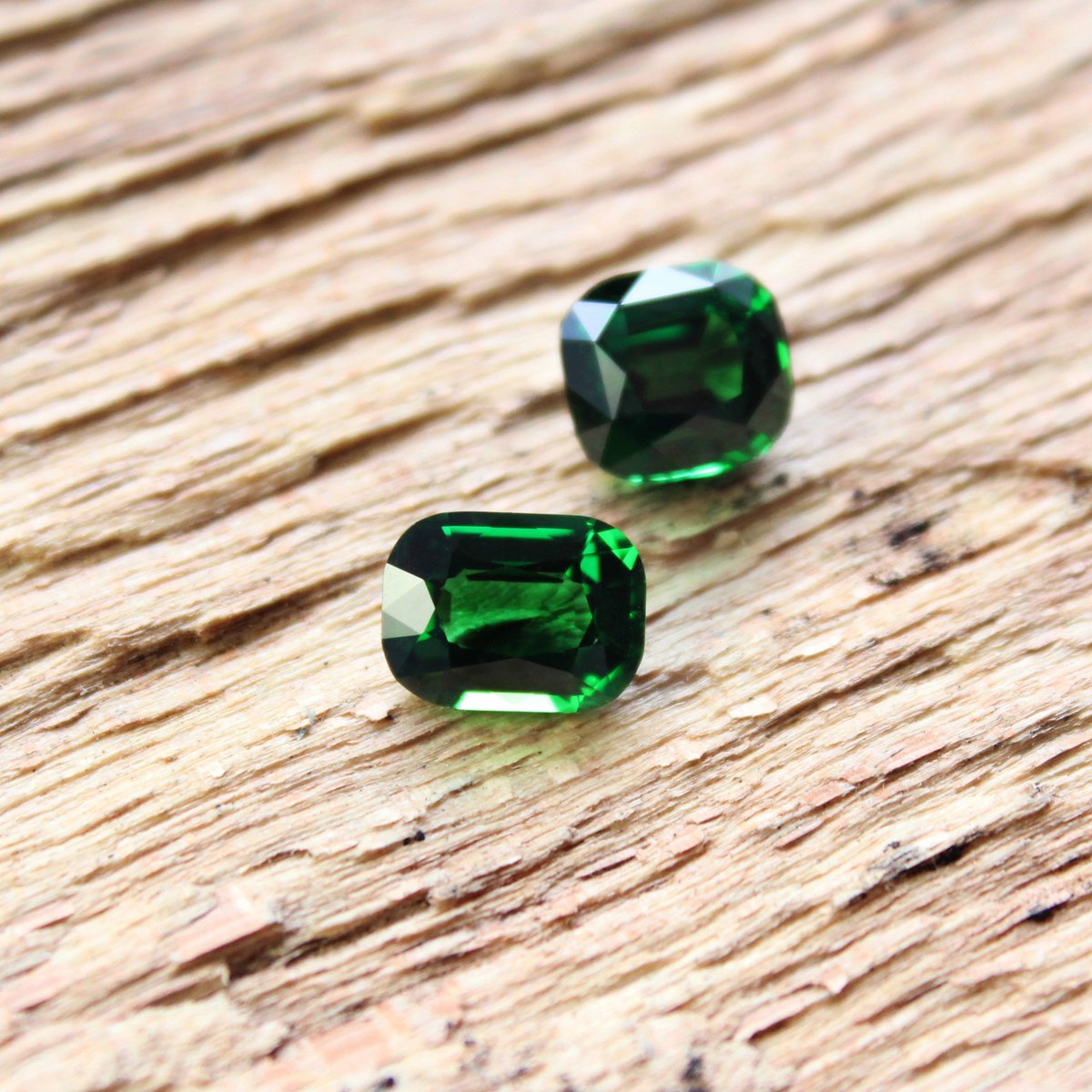 tsavorite ring aros gemstone designer diamond pave jewelry product wholesale black ct supplier silver