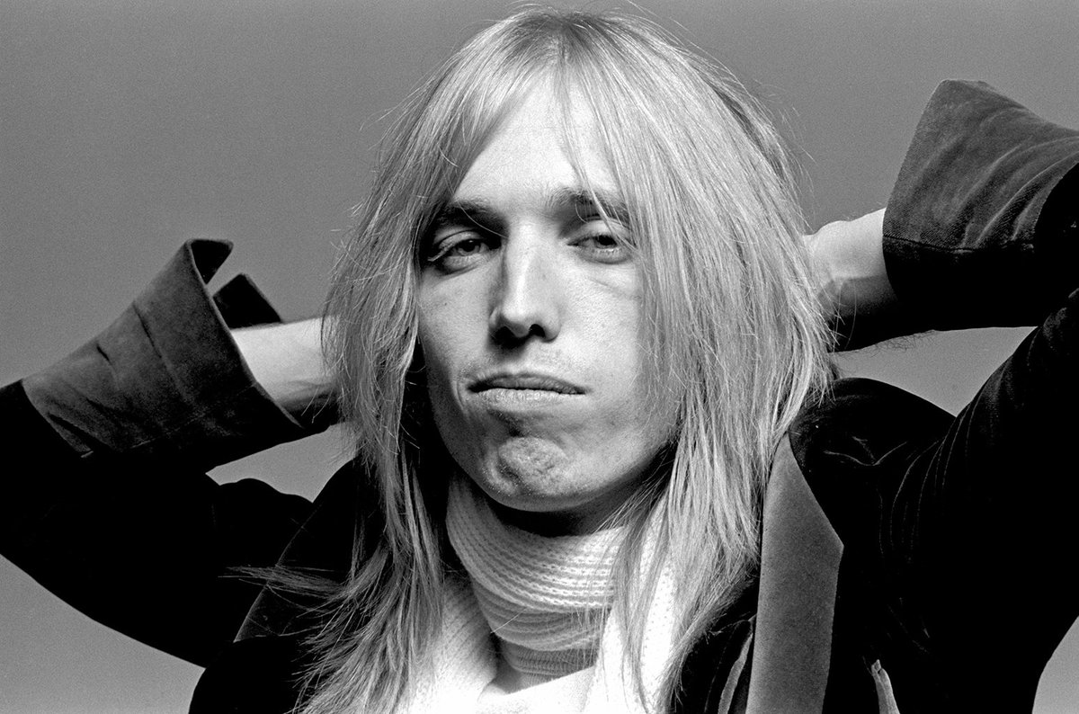We mourn the loss of Tom Petty, one America's finest treasures. #RIP #TomPetty https://t.co/RHxUXQsEiC https://t.co/he6MTPEknD