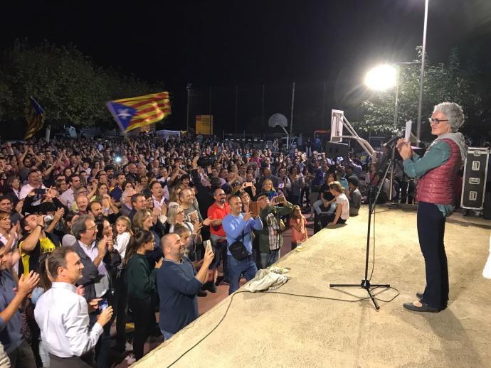 Acte multitudinari contra l'acció de la Guardia Civil l'1-O a Garrigàs https://t.co/i8NEDKIeMo https://t.co/zjik7h4XQB