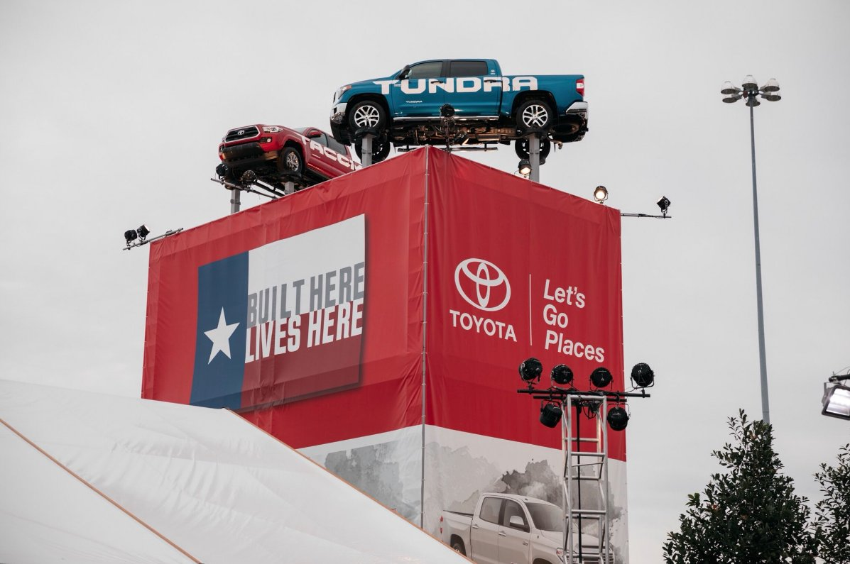 toyota showing off its texaspride at the statefairoftx toyotatacoma toyotatundrapic twitter com 33vpddnxzo